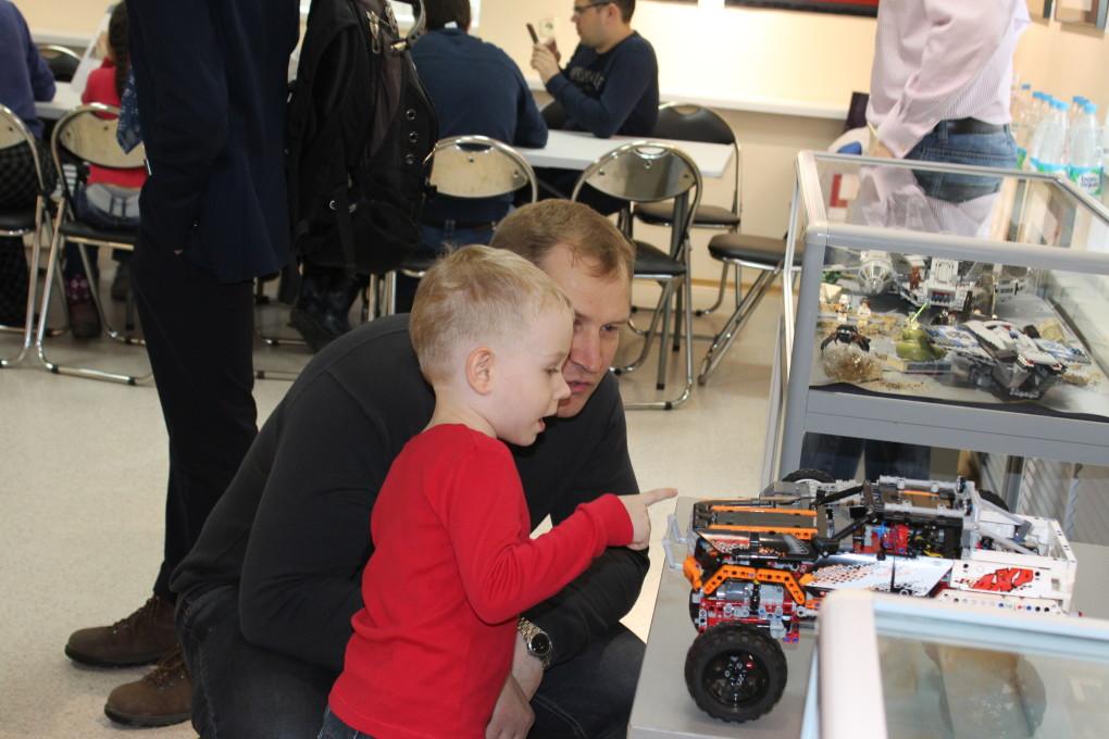 Благотворительная выставка «Мир LEGO» состоялась! 3