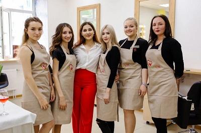 """В Сургуте открылся """"благотворительный"""" салон красоты 1"""